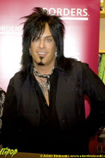 Nikki Sixx - Borders Books Oakbrook, IL September 2007 | Photos by Adam Bielawski